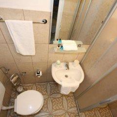 Urkmez Hotel Турция, Сельчук - отзывы, цены и фото номеров - забронировать отель Urkmez Hotel онлайн ванная