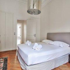 Отель Guest Trotter - Saint Philippe du Roule Франция, Париж - отзывы, цены и фото номеров - забронировать отель Guest Trotter - Saint Philippe du Roule онлайн комната для гостей фото 2
