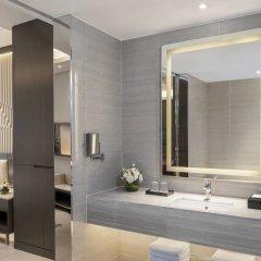 Отель Courtyard by Marriott Tianjin Hongqiao Китай, Тяньцзинь - отзывы, цены и фото номеров - забронировать отель Courtyard by Marriott Tianjin Hongqiao онлайн ванная фото 2