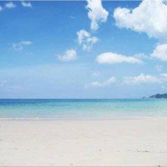 Отель Patong Bay Guesthouse пляж фото 2