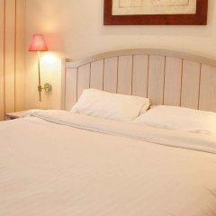 Отель Campanile Val de France 3* Стандартный номер с двуспальной кроватью