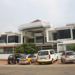 Отель Adwoa Wangara парковка