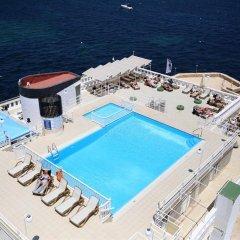 Gillieru Harbour Hotel бассейн