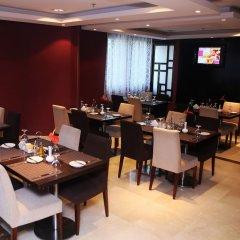 Отель Al Hamra Hotel ОАЭ, Шарджа - отзывы, цены и фото номеров - забронировать отель Al Hamra Hotel онлайн питание фото 2