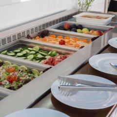 Отель Tsokkos Holiday Hotel Apartments Кипр, Айя-Напа - 1 отзыв об отеле, цены и фото номеров - забронировать отель Tsokkos Holiday Hotel Apartments онлайн питание