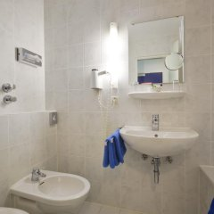 Отель Königswache Германия, Мюнхен - отзывы, цены и фото номеров - забронировать отель Königswache онлайн ванная