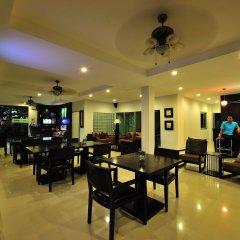 Отель Aloha Residence Пхукет гостиничный бар