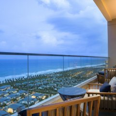 Отель Radisson Blu Resort Cam Ranh Вьетнам, Кам Лам - отзывы, цены и фото номеров - забронировать отель Radisson Blu Resort Cam Ranh онлайн балкон