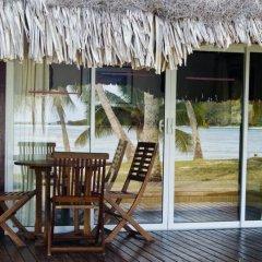 Отель Les Tipaniers Французская Полинезия, Муреа - отзывы, цены и фото номеров - забронировать отель Les Tipaniers онлайн балкон