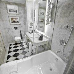 Wyndham Grand Istanbul Kalamis Marina Турция, Стамбул - 7 отзывов об отеле, цены и фото номеров - забронировать отель Wyndham Grand Istanbul Kalamis Marina онлайн ванная