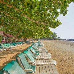 Отель First Bungalow Beach Resort Таиланд, Самуи - 6 отзывов об отеле, цены и фото номеров - забронировать отель First Bungalow Beach Resort онлайн пляж