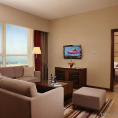 Отель Khalidiya Palace Rayhaan by Rotana, Abu Dhabi комната для гостей фото 2