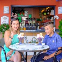 Hotel Caesar Palace Джардини Наксос гостиничный бар