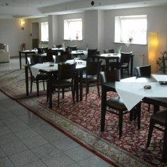 Отель PLAZA Inn Hamburg Moorfleet Германия, Гамбург - 1 отзыв об отеле, цены и фото номеров - забронировать отель PLAZA Inn Hamburg Moorfleet онлайн питание фото 3