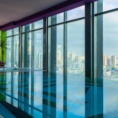 Renaissance Shanghai Yu Garden Hotel бассейн фото 3