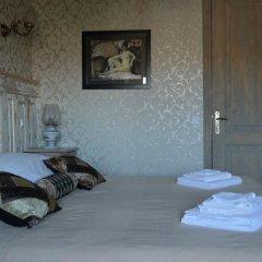 Отель Artists Residence in Tbilisi Грузия, Тбилиси - отзывы, цены и фото номеров - забронировать отель Artists Residence in Tbilisi онлайн комната для гостей фото 2