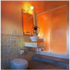 Отель Antico Casale Италия, Сан-Джиминьяно - отзывы, цены и фото номеров - забронировать отель Antico Casale онлайн ванная фото 2