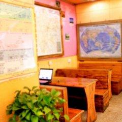Hello Chengdu International Youth Hostel интерьер отеля фото 2