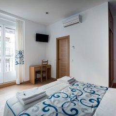 Отель Hostal Carracedo удобства в номере