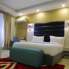 Отель Golden Tulip Essential Benin City сейф в номере