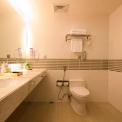 Отель Liberty Central Saigon Centre ванная