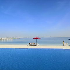 Royal M Hotel & Resort Abu Dhabi бассейн фото 3