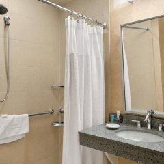 Crowne Plaza Hotel Columbus North Колумбус ванная