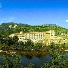 Отель Parador De Cangas De Onis Кангас-де-Онис приотельная территория фото 2