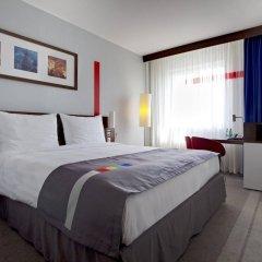 Гостиница Park Inn by Radisson Sheremetyevo Airport Moscow комната для гостей