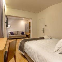 Glyfada Hotel сейф в номере