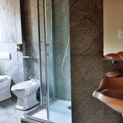 Отель Bernina 1865 Швейцария, Самедан - отзывы, цены и фото номеров - забронировать отель Bernina 1865 онлайн ванная фото 2