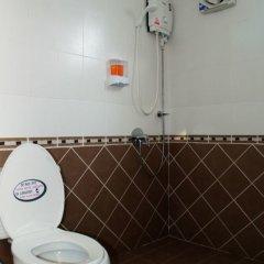 Отель Gold Dolphin Pattaya Таиланд, Паттайя - отзывы, цены и фото номеров - забронировать отель Gold Dolphin Pattaya онлайн ванная фото 2