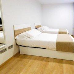 Отель Husa Pedralbes Испания, Барселона - отзывы, цены и фото номеров - забронировать отель Husa Pedralbes онлайн сейф в номере