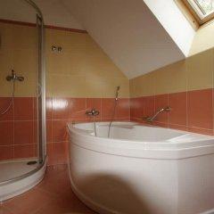 Отель Vila Lilla Чехия, Карловы Вары - отзывы, цены и фото номеров - забронировать отель Vila Lilla онлайн ванная фото 2