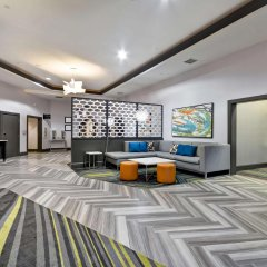Отель Hampton Inn & Suites Los Angeles Burbank Airport Лос-Анджелес комната для гостей