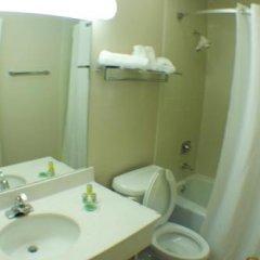 Отель Belvedere Motel США, Элкхарт - отзывы, цены и фото номеров - забронировать отель Belvedere Motel онлайн ванная фото 2