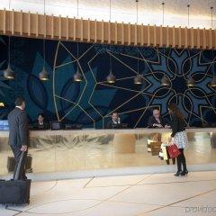 Отель Crowne Plaza Abu Dhabi Yas Island интерьер отеля