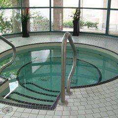Отель Rosedale Condominiums Канада, Ванкувер - отзывы, цены и фото номеров - забронировать отель Rosedale Condominiums онлайн бассейн
