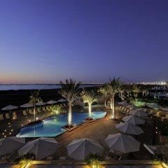 Отель Park Inn by Radisson, Abu Dhabi Yas Island бассейн фото 3
