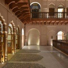 Отель WelcomHeritage Haveli Dharampura интерьер отеля