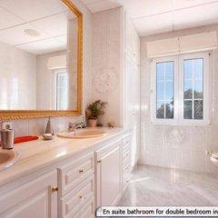 Отель Villa Savanna Кала-эн-Бланес ванная