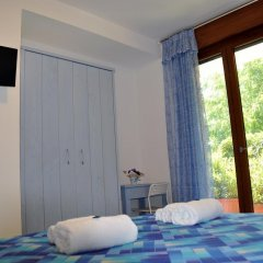 Отель A 2 Passi Dagli Dei Аджерола сейф в номере