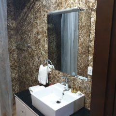 Metzy Residence Hotel in Kololi, Gambia from 71$, photos, reviews - zenhotels.com bathroom photo 2
