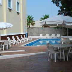 Отель Rio Vista Inn бассейн