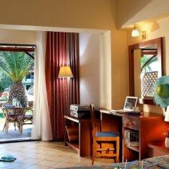 Отель Blue Dolphin Hotel Греция, Метаморфоси - отзывы, цены и фото номеров - забронировать отель Blue Dolphin Hotel онлайн удобства в номере фото 2