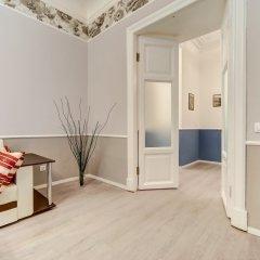 Апартаменты Zagorodnyij Prospekt 21-23 Apartments Санкт-Петербург сейф в номере