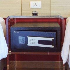Отель Red Planet Bangkok Asoke сейф в номере
