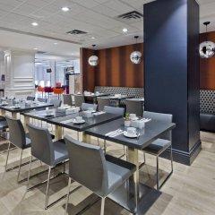 Отель The Strathcona Hotel Канада, Торонто - отзывы, цены и фото номеров - забронировать отель The Strathcona Hotel онлайн питание фото 2
