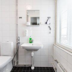 Отель Forenom Aparthotel Helsinki Herttoniemi ванная фото 2