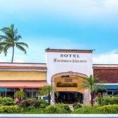 Отель Hacienda De Vallarta Las Glorias Пуэрто-Вальярта вид на фасад